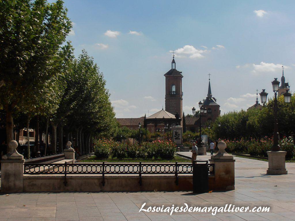 Plaza cervantes en Alcalá de Henares - Los viajes de Margalliver