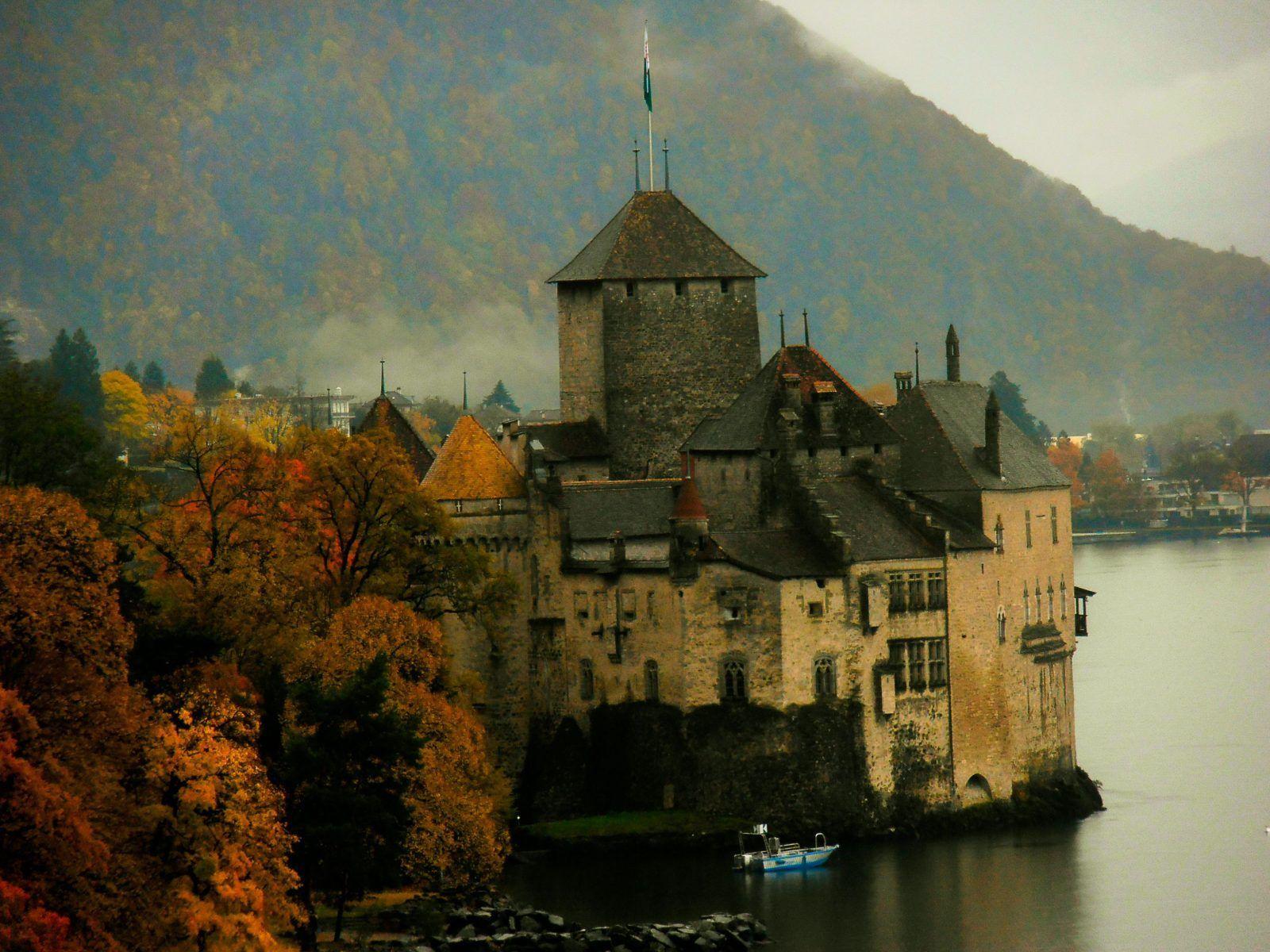Castillo de Chillon en Suiza, los castillos mas bonitos del mundo que hemos visitado - Los viajes de Margalliver