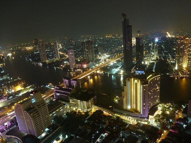 Vistas aéreas nocturnas de Bangkok , 10 locuras que debes hacer en Bangkok - Los viajes de margalliver