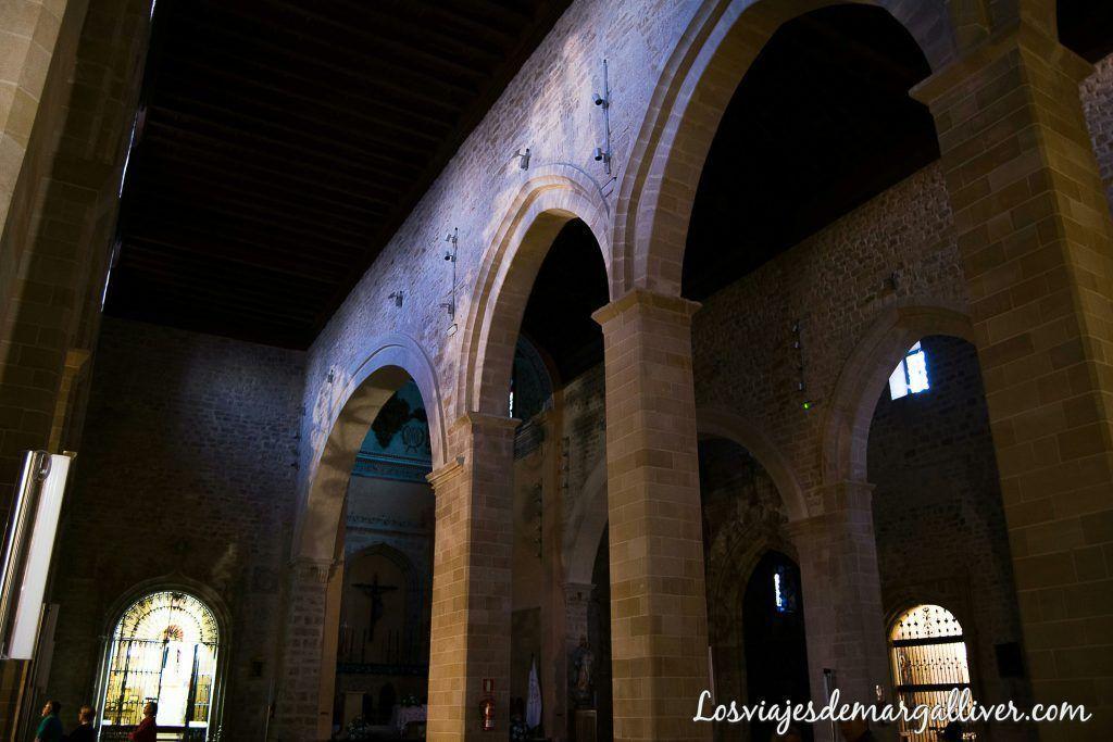 Interior de la basílica Santa María de los reales alcázares en Úbeda - Los viajes de margalliver