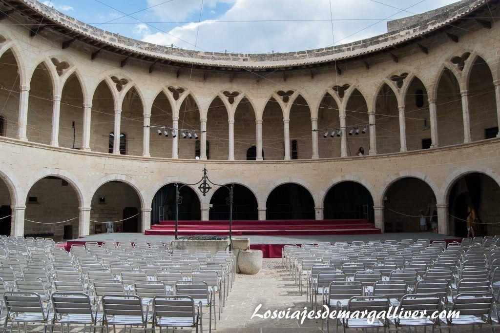 castillo de Bellver en Mallorca, castillos mas bonitos del mundo - Los viajes de Margalliver