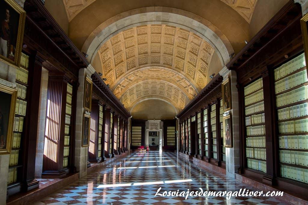 Archivo General de Indias en Sevilla - Los viajes de Margalliver