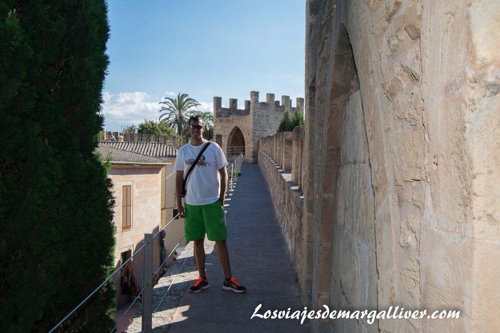 Ruta en coche por Mallorca, muralla de Alcudia - Los viajes de Margalliver
