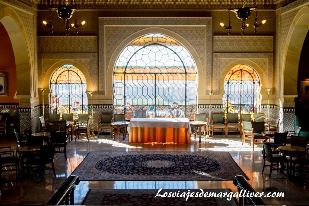 hall del hotel alhambra palace en Granada - Los viajes de Margalliver