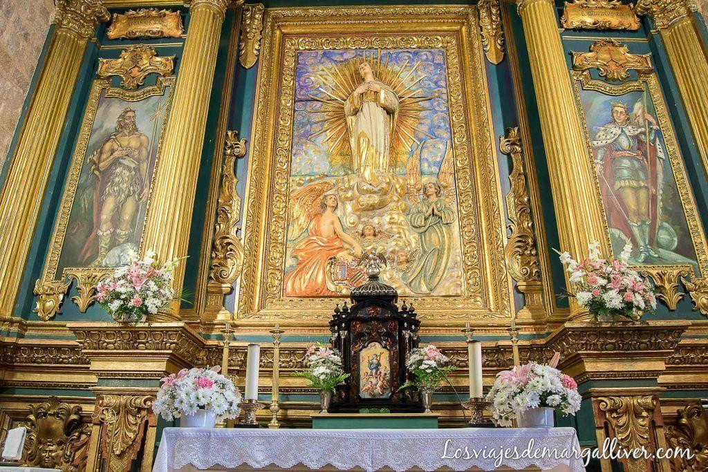 Altar de la iglesia de San Mateo en Baños de la Encina, qué ver en Baños de la Encina - Los viajes de Margalliver