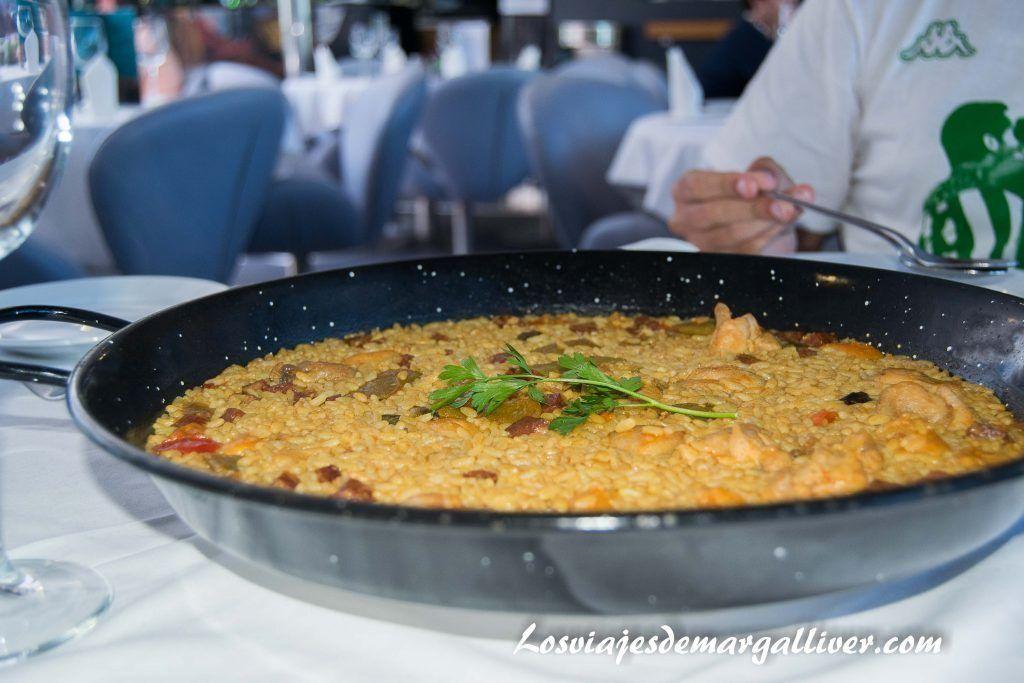 Arroz con chorizo del restaurante del Bahama mama de Baleária - Los viajes de Margalliver