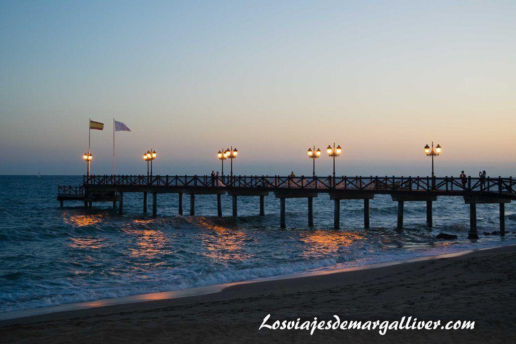 Muelle del Paseo maritimo de Marbella al atardecer en el #MarbellaATB - Los viajes de Margalliver