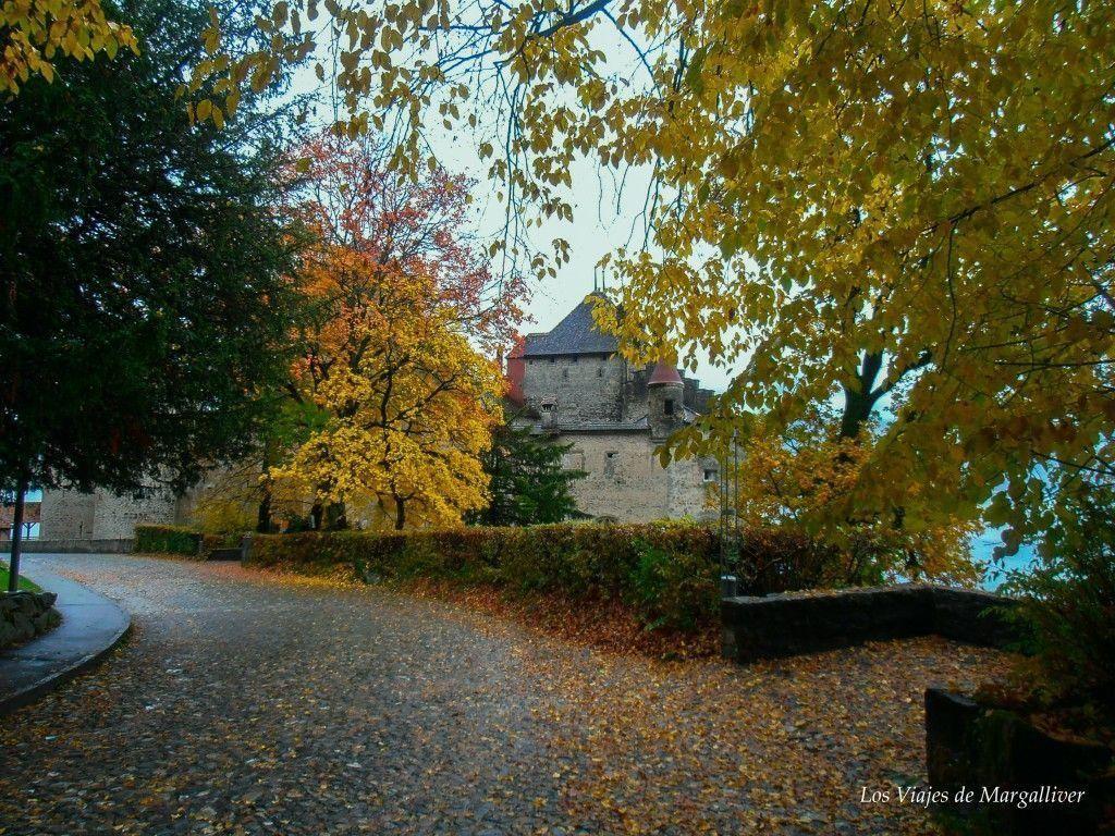 Acercándonos al Castillo de Chillon con el colorido del otoño - Los viajes de Margalliver