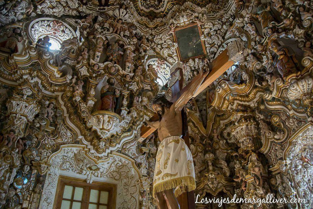 Camarín de la ermita del cristo de llano en Baños de la Encina , qué ver en Baños de la Encina - Los viajes de Margalliver