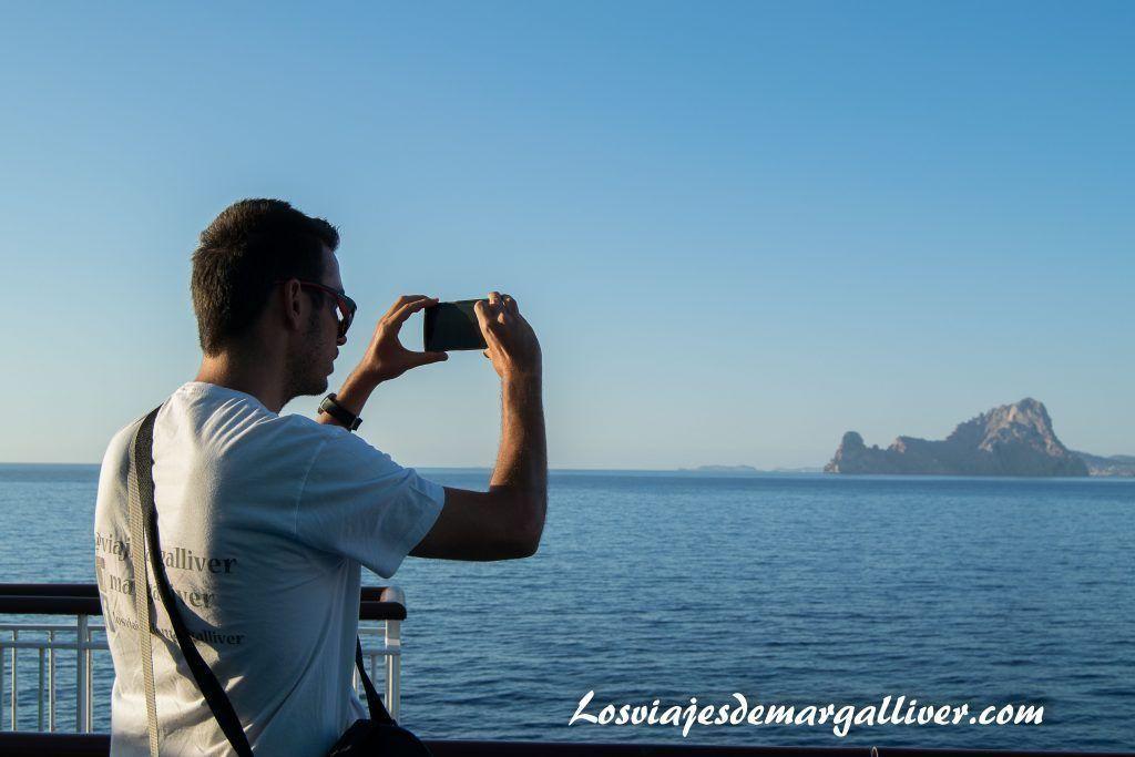 fotografiando Vedrá , Ibiza desde el Bahama Mama de Baleària - Los viajes de Margalliver