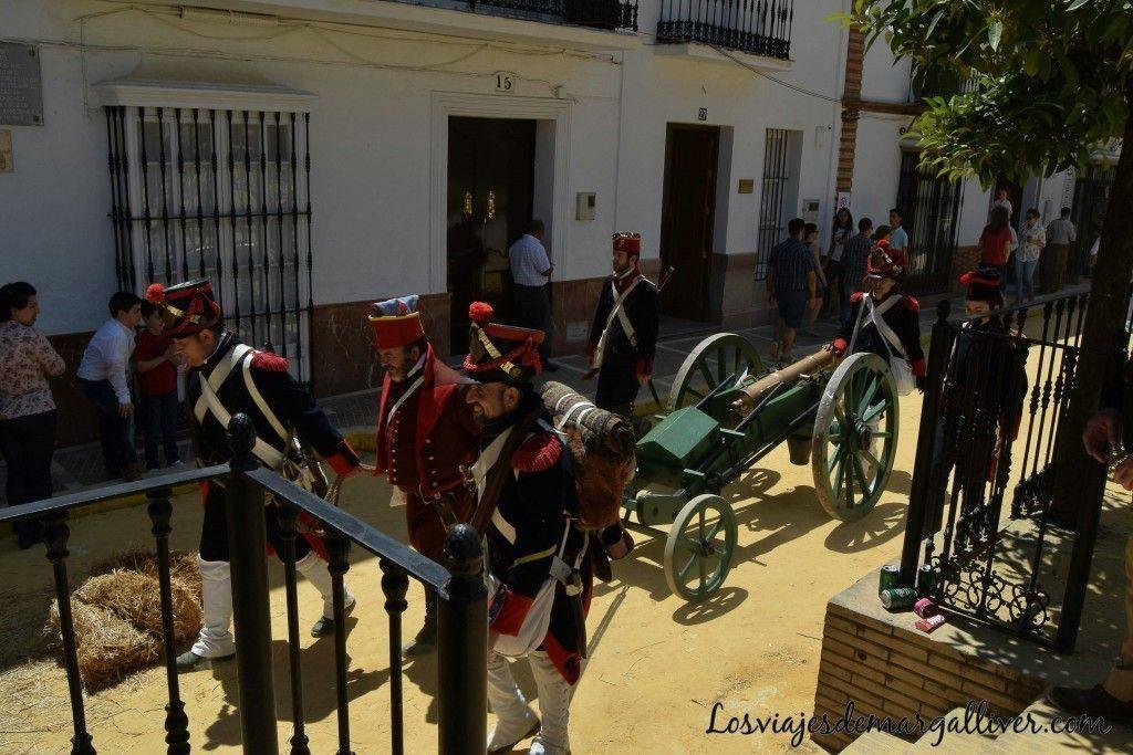 Cañon de las tropas francesas en la recreación de la batalla del dos de mayo en Algodonales - Los viajes de Margalliver