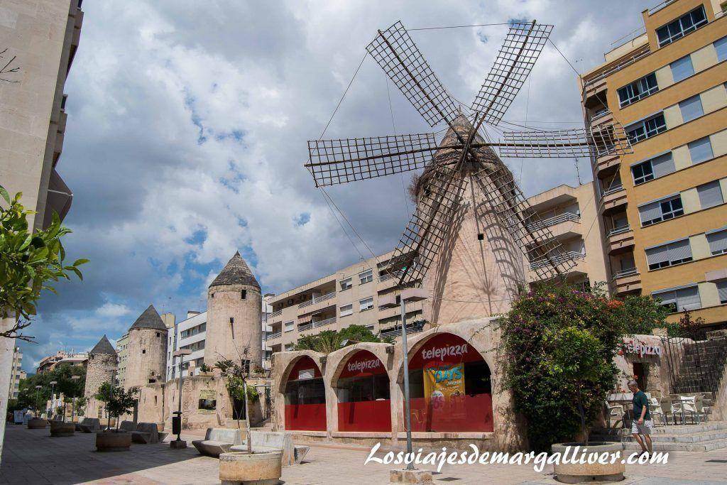 Molinos de viento en Palma de Mallorca - Los viajes de Margalliver