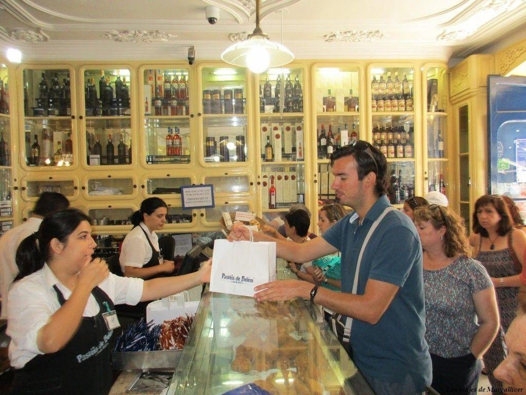 Tienda de Pasteles de Belem en Lisboa, visita al barrio de Belem - Los viajes de Margalliver