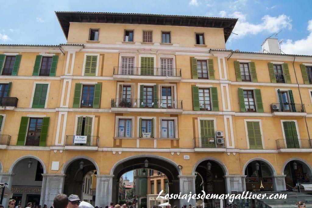 Plaza mayor de Palma de Mallorca - Los viajes de Margalliver