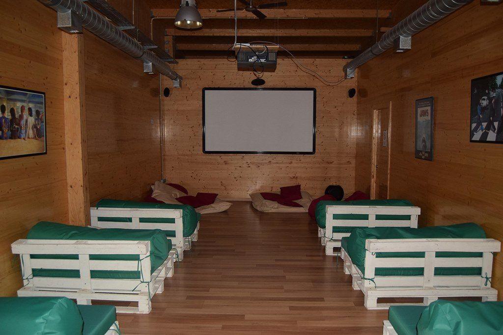 Sala de cine de Zmar Eco Experience en Portugal - Los viajes de Margalliver