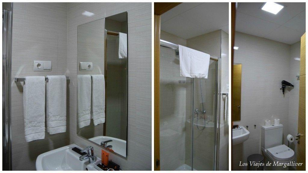 baños de los apartamentos suites del pintor, tu alojamiento en Málaga - los viajes de margalliver