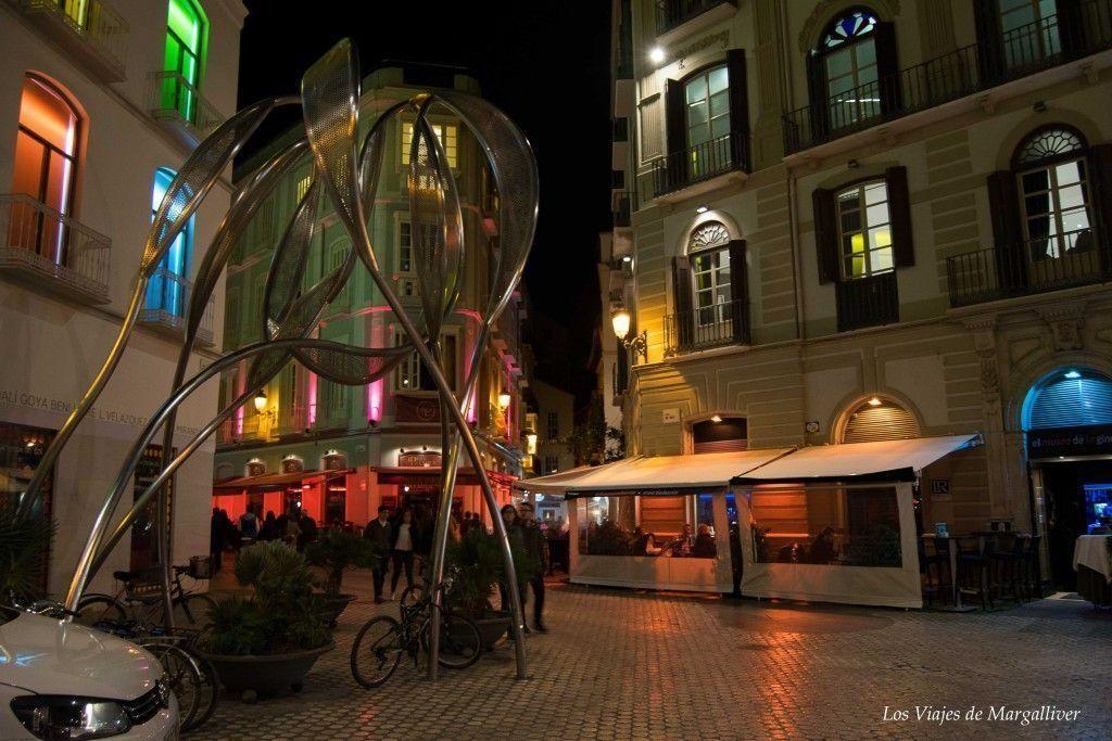 centro de malaga de noche - los viajes de margalliver
