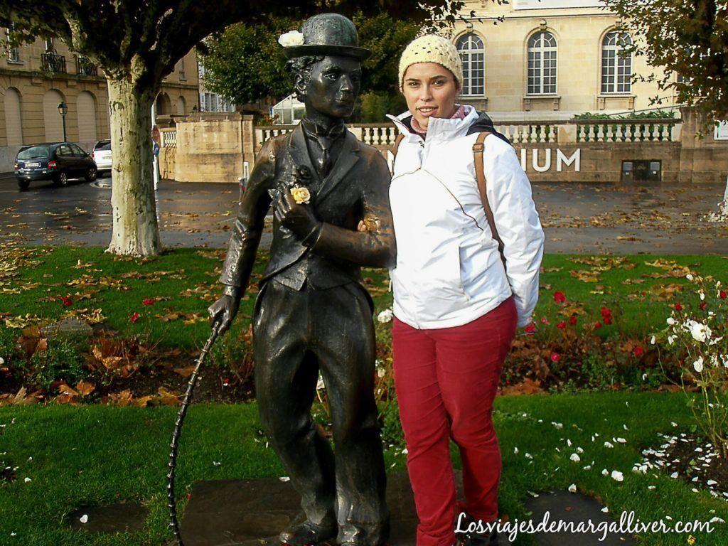 estatua de Charles Chaplin en Vevey - los viajes de margalliver