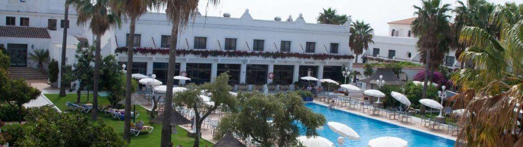 vistas de la piscina del Hotel Playa de la Luz, que ver en Rota - Los viajes de Margalliver