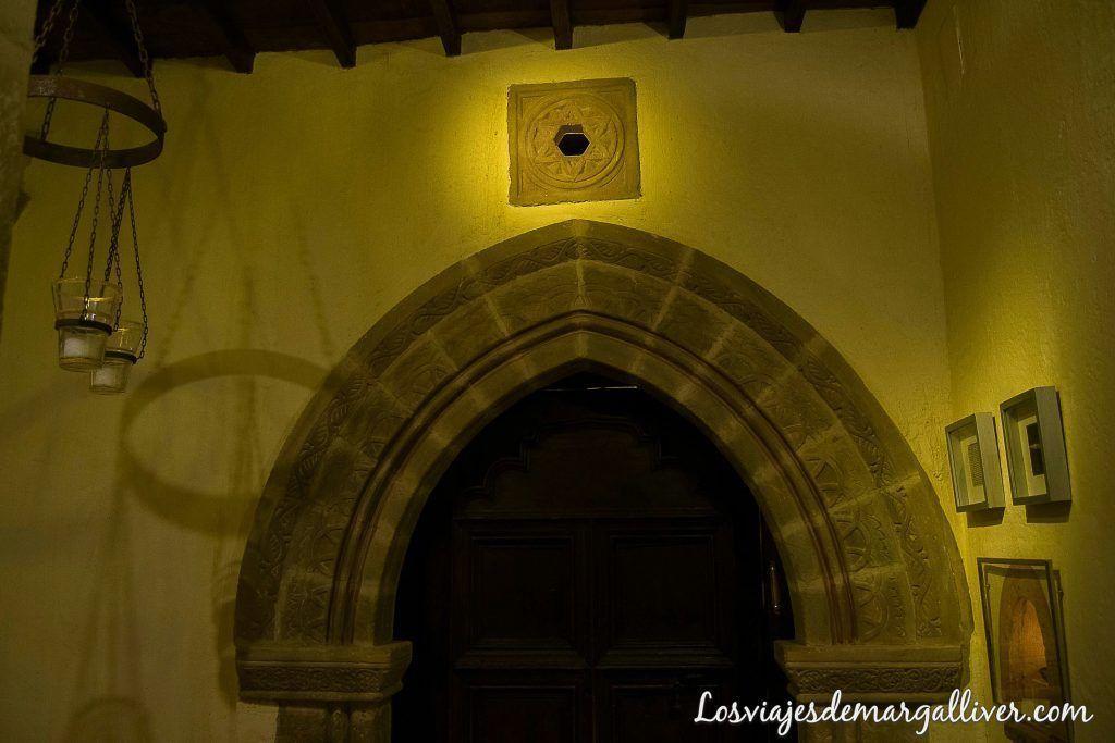 Puerta de la sinagoga del agua en Úbeda en un día - Los viajes de margalliver
