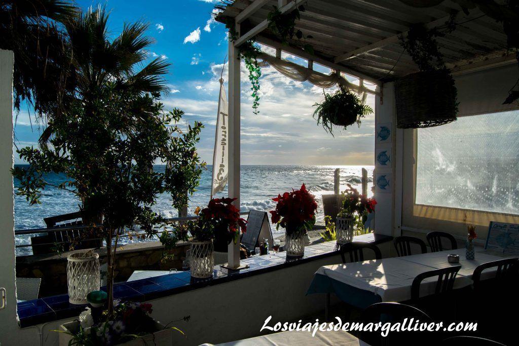 restaurante playa torrecilla en Nerja - Los viajes de Margalliver
