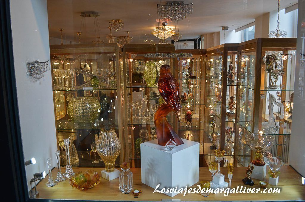 Cristalería de la galeria de la reina en Bruselas, 10 cosas que ver y hacer en Bruselas - Los viajes de Margalliver