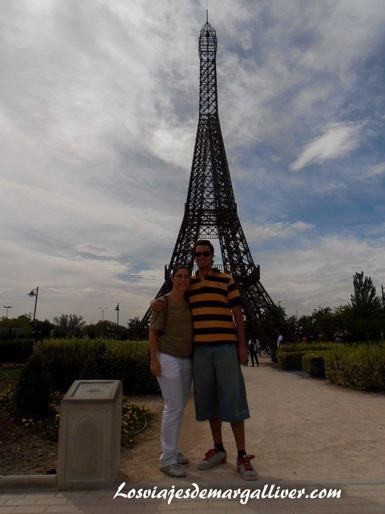 Torre Eiffel del Parque Europa en Madrid - Los viajes de Margalliver