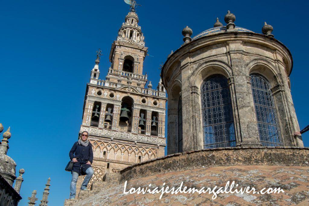 Desde las cubiertas de la catedral de Sevilla puedes ver la Giralda muy cerca - Los viajes de Margalliver