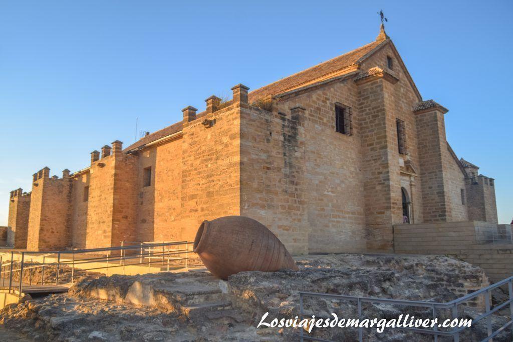 Museo del vino en Montilla, edificado sobre los restos del antiguo castillo del Gran Capitán, Enoturismo en Montilla - Los viajes de Margalliver