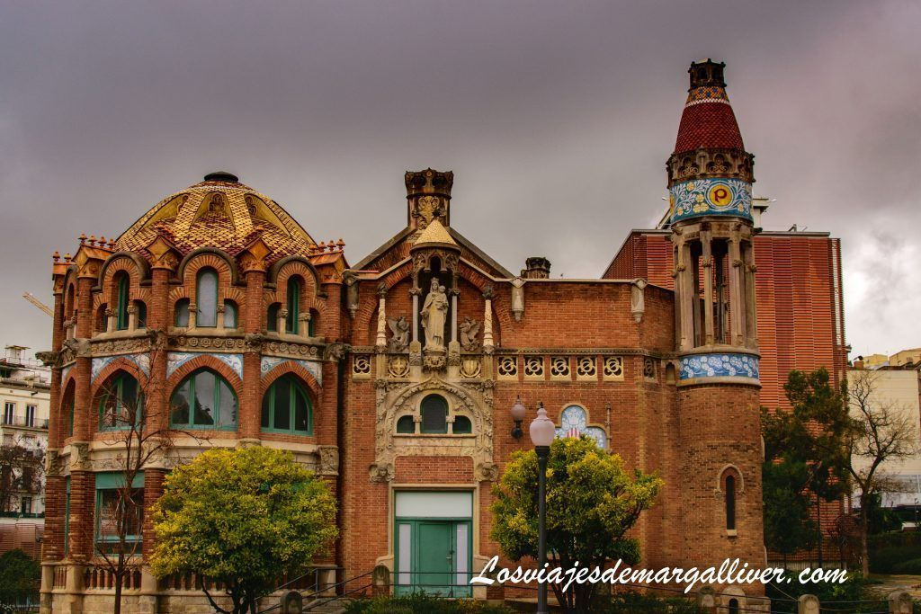 Uno de los edificios del Recinto Modernista de Sant Pau en Barcelona - Los viajes de Margalliver