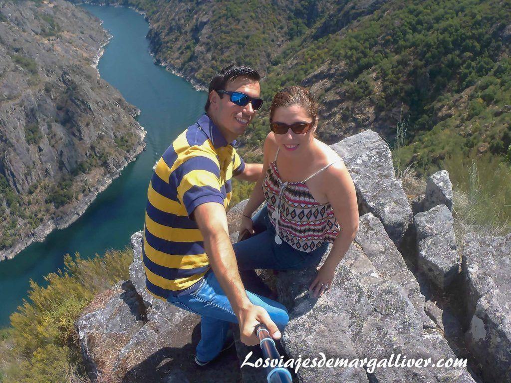 mirador de Violuxe ,Cañones del Sil, plena Ribeira Sacra - Los viajes de Margalliver