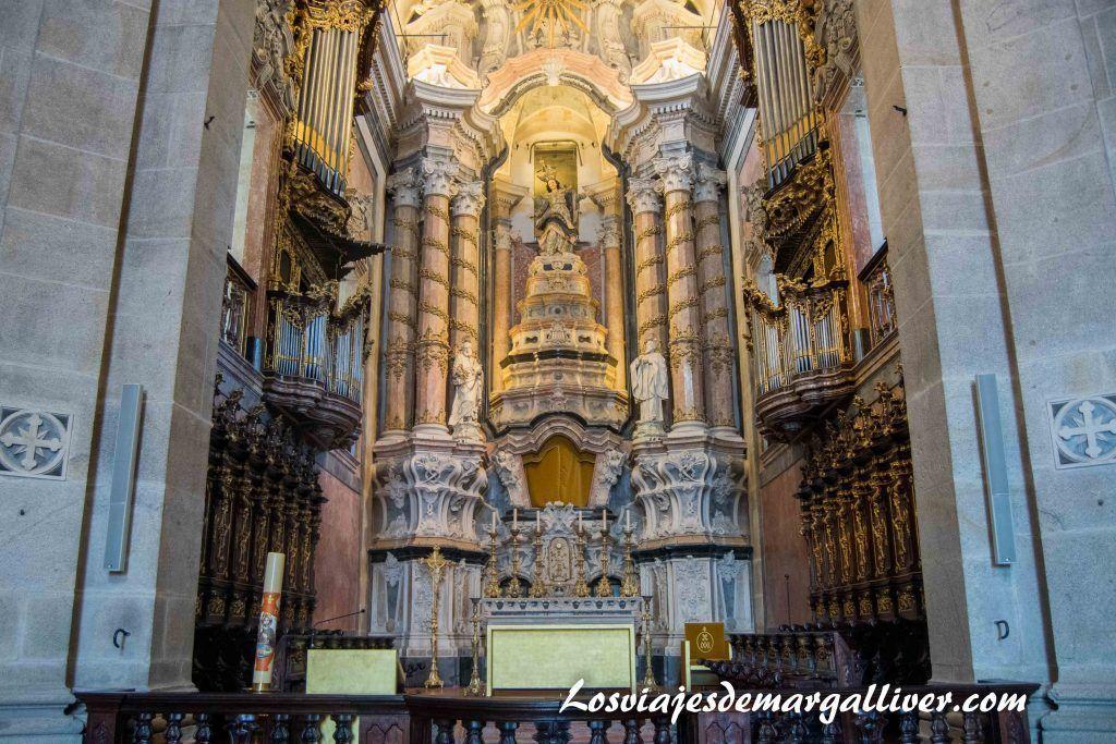 iglesia de la torre de los clérigos, visitar Oporto en dos días - Los viajes de Margalliver
