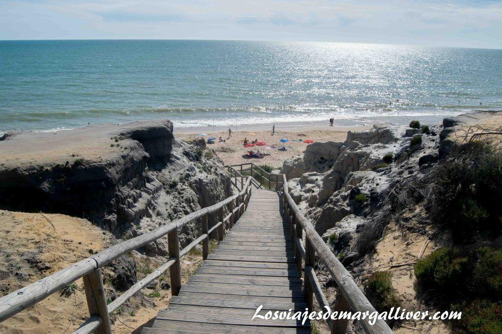 Qué ver en Moguer , Bajada a la playa de la cuesta de Maneli - Los viajes de Margalliver