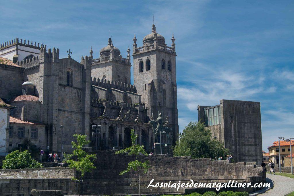 Fachada de la Catedral o Sé de Oporto - Los viajes de Margalliver