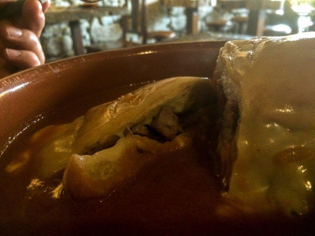 Francesinha típica de Oporto que comimos en la Taberninha do Manel , no puedes visitar Oporto sin probar este plato. - Los viajes de Margalliver