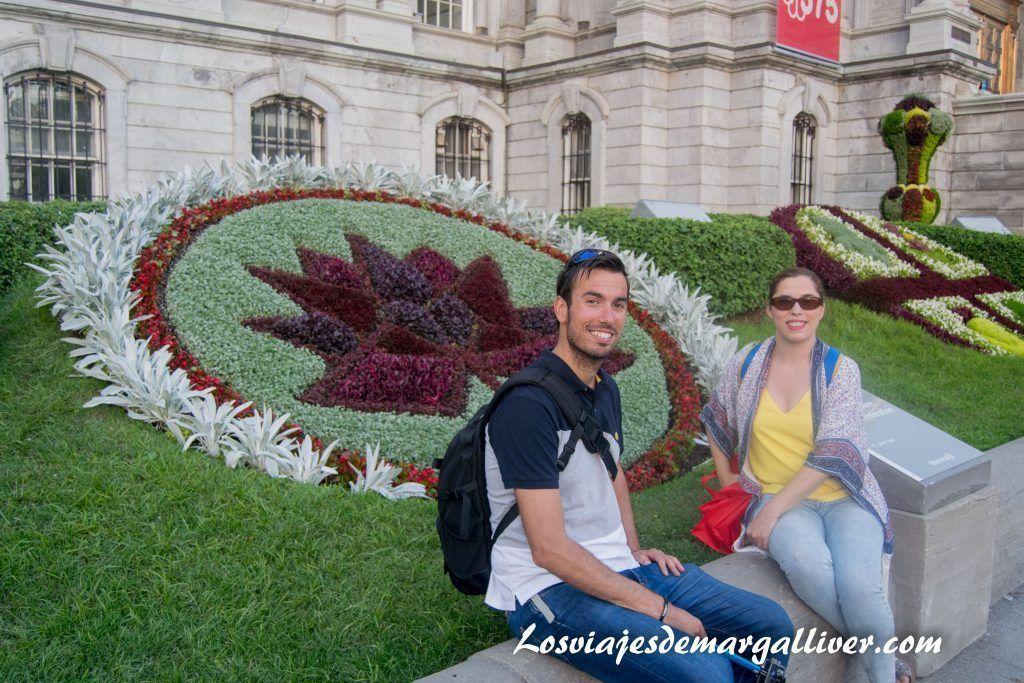 Jardín del ayuntamiento de Montreal en la ruta por la costa este de Canadá - Los viajes de Margalliver