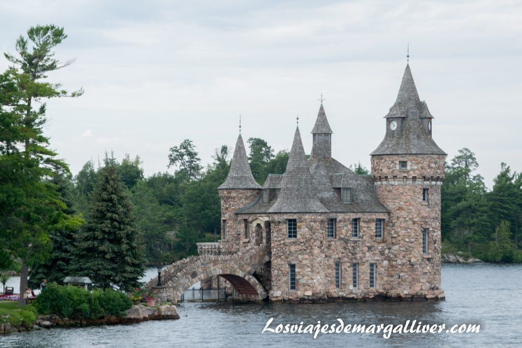 Castillo situada en una de las islas de la zona de las 1000 islas de Ottawa en la ruta por la costa este de Canadá - Los viajes de Margalliver