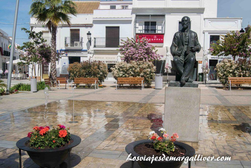 Que ver en Moguer, Plaza del ayuntamiento de Moguer - Los viajes de Margalliver