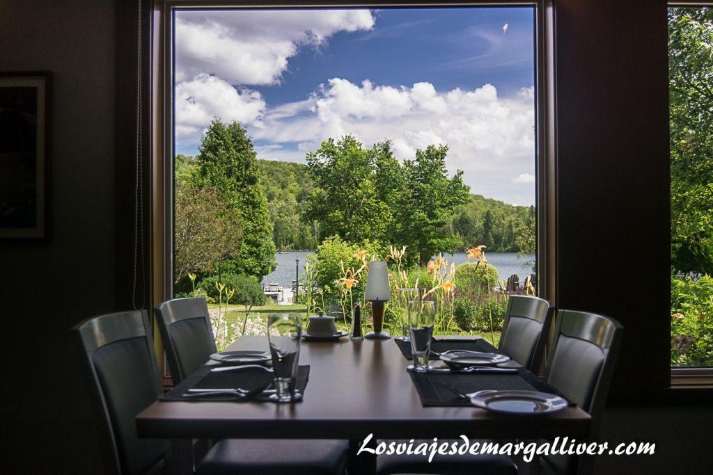 restaurante hotel Auberge du Lac-à-l'Eau-Claire, hoteles en la costa este de Canadá - los viajes de Margalliver