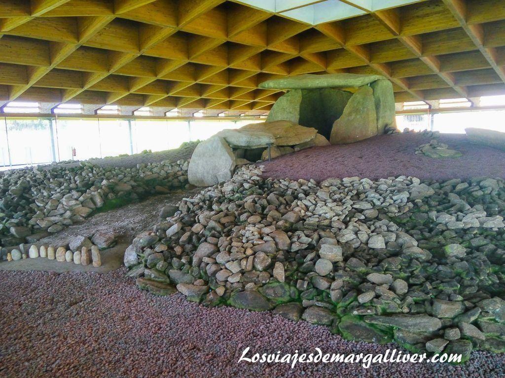 Ruta por la Costa da Morte , Dolmen Dombate en Vimianzo- Los viajes de Margalliver