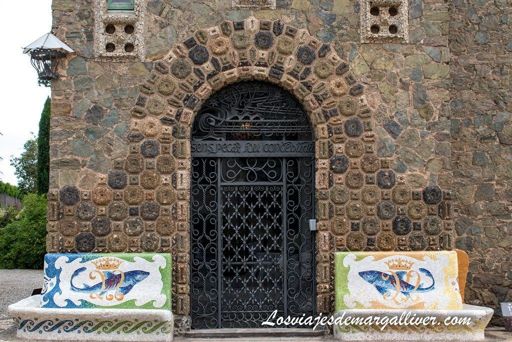 Entrada a la torre Bellesguard de Barcelona - Los viajes de Margalliver