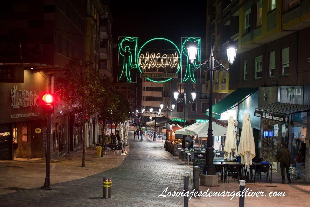 La Gascona en Oviedo, la calle de la sidra, que ver en Oviedo en dos días - Los viajes de Margalliver