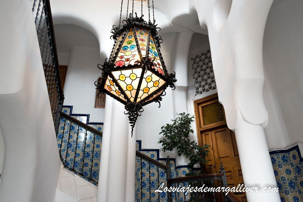 Interior y escalera de la torre bellesguard de Gaudí - Los viajes de Margalliver