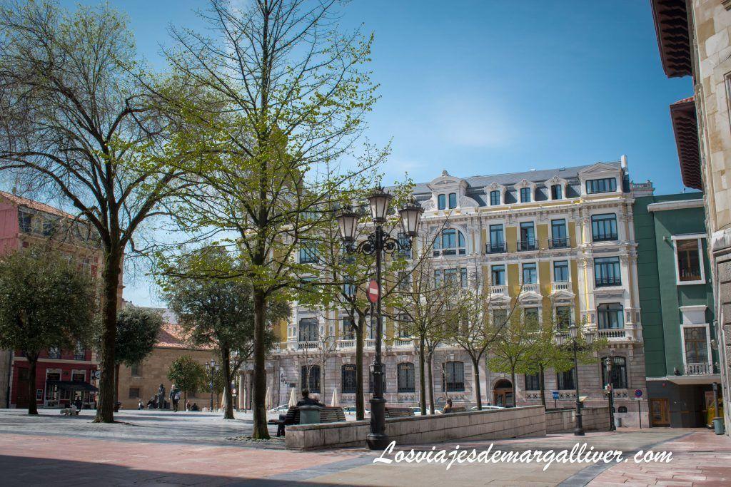 La plaza Porlier en Oviedo, que ver en Oviedo en dos días - Los viajes de Margalliver