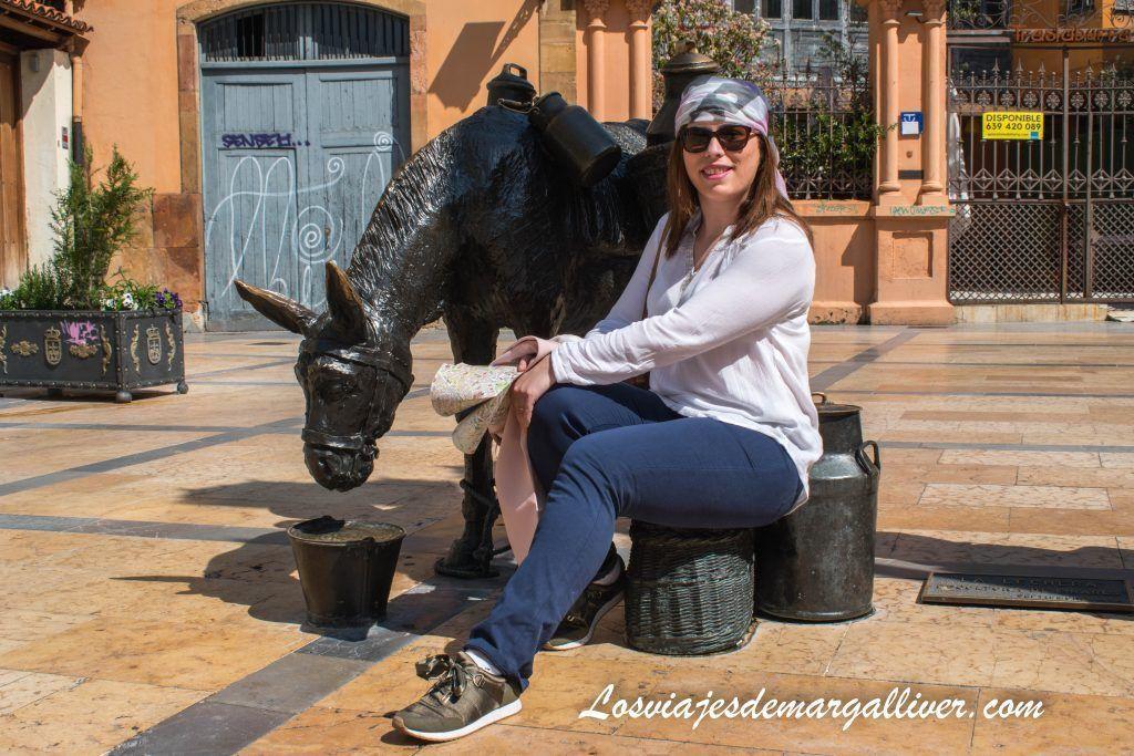 La plaza Trascorrales y burra, que ver en Oviedo en dos días - Los viajes de Margalliver