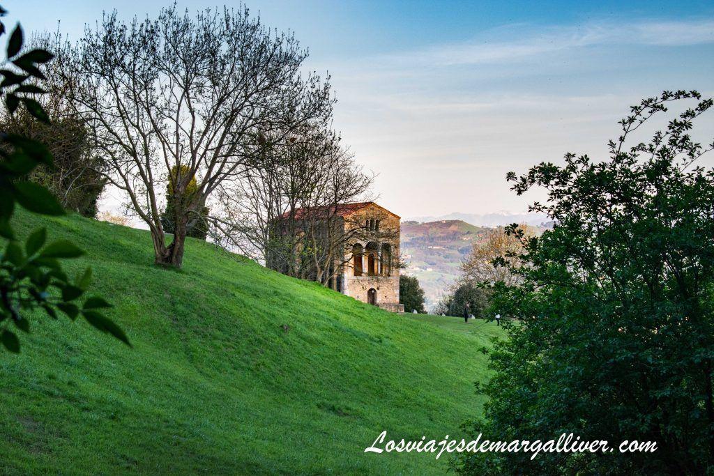 Santa María del Naranco, monumentos prerromanicos, que ver en Oviedo en dos días - Los viajes de Margalliver
