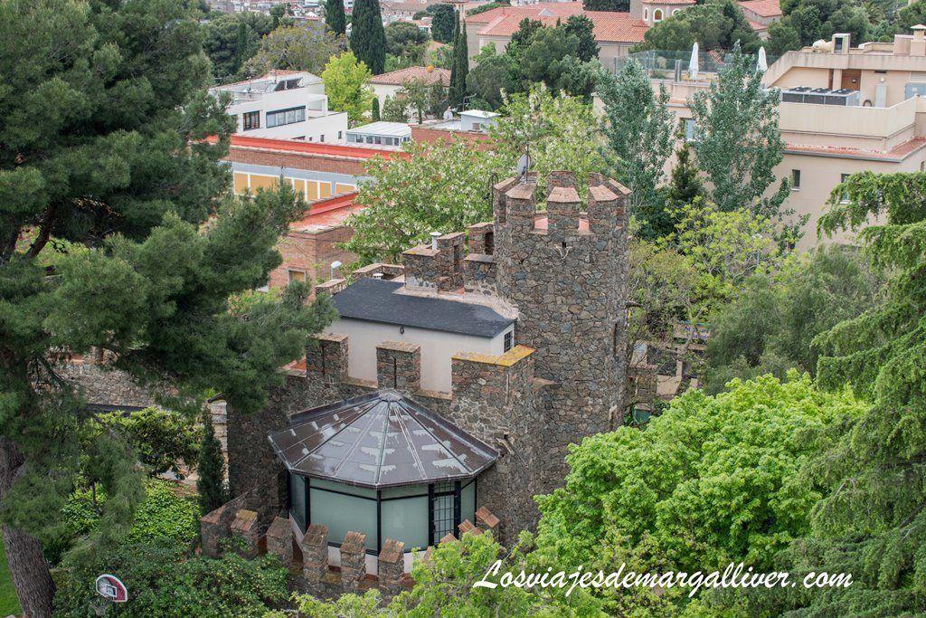 Casa del guardián en la torre bellesguard de Gaudí en Barcelona - Los viajes de Margalliver
