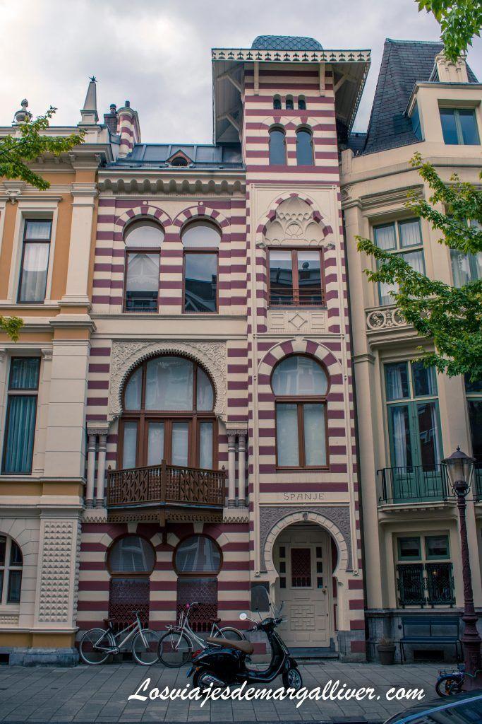La casa española en la calle de las 7 casas europeas - Que ver en Ámsterdam en 3 días - Los viajes de Margalliver