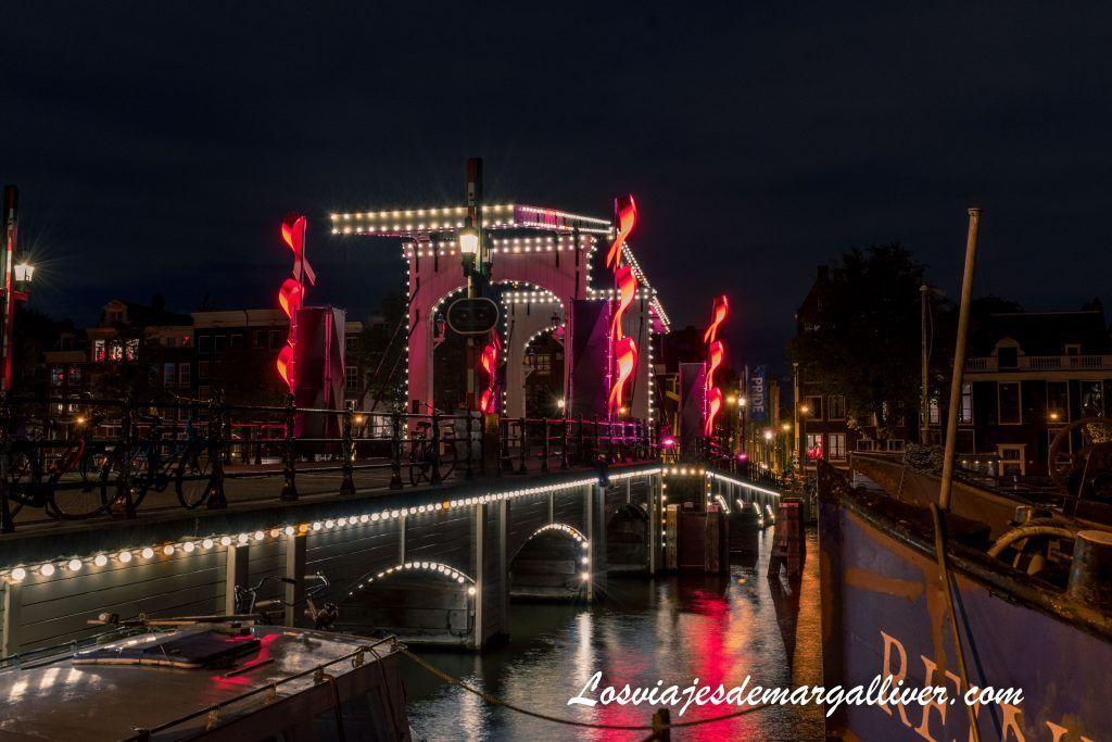 El puente el Magere Brug de Ámsterdam - Ámsterdam en 3 días - Los viajes de Margalliver