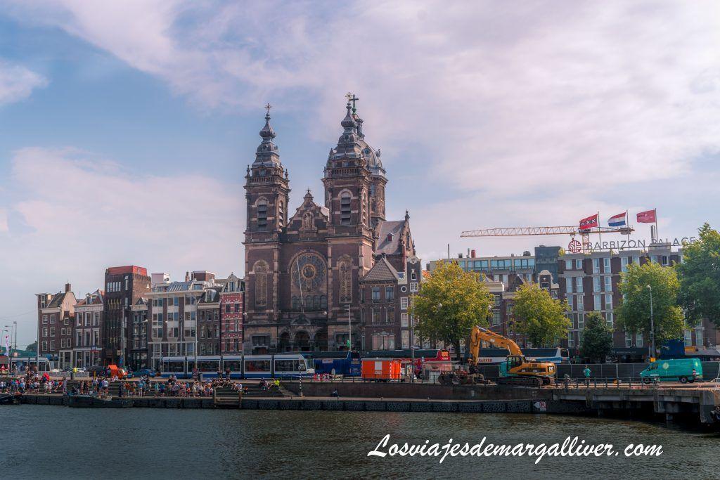 Iglesia de San Nicolás, Ámsterdam en 3 días - Los viajes de Margalliver